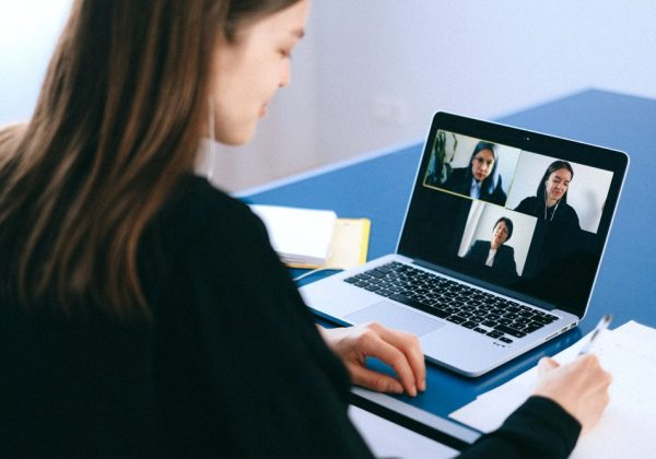 Manage a virtual meeting